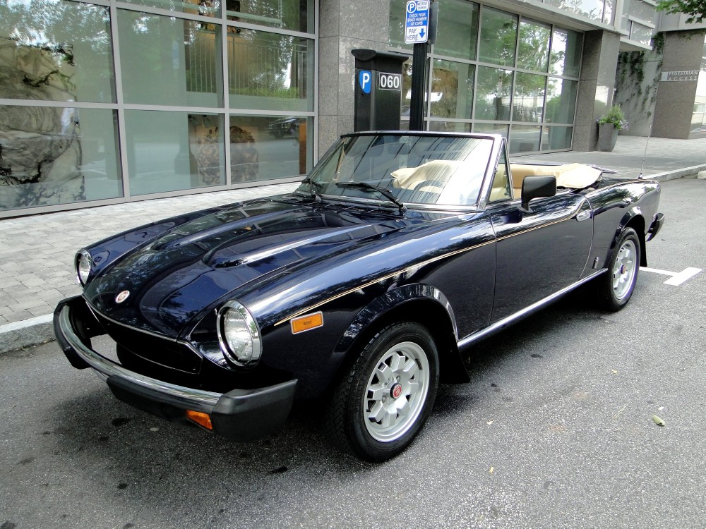 classic italian cars for sale blog archive probably the nicest fiat spider 2000 available. Black Bedroom Furniture Sets. Home Design Ideas