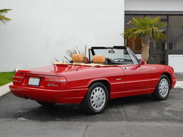 I on 1994 Alfa Romeo Spider Veloce